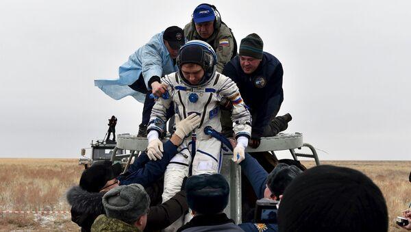 Participantes de una misión anual volvieron a la Tierra de la EEI - Sputnik Mundo