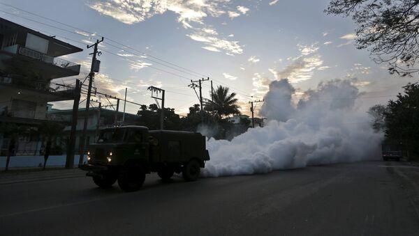 Fumigación contra el mosquito Aedes aegypti en la Habana - Sputnik Mundo