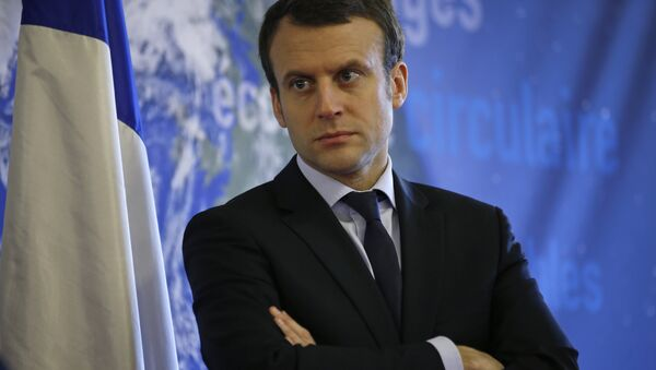 French Economy Minister Emmanuel Macron attends a news conference to unveil the GreenTech project at the Ecology ministry in Paris, France, in this February 9, 2016 file photo. - Sputnik Mundo