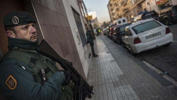 La Guardia Civil de España detiene al miembro de Daesh (archivo) - Sputnik Mundo