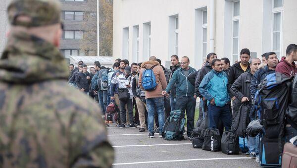Solicitantes de asilo en un centro de refugiados, Tornio, Finlandia, el 25 de septiembre de 2015 - Sputnik Mundo