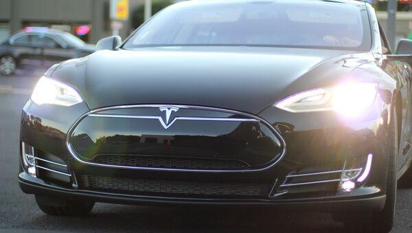 El coche eléctrico Tesla Model S - Sputnik Mundo