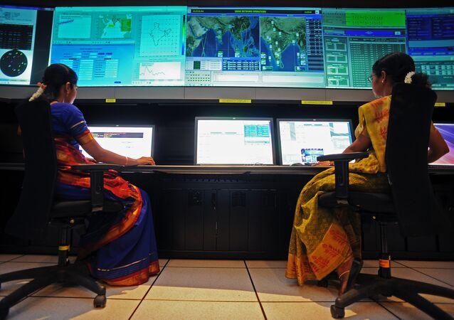 Científicos en la Agencia India de Investigación Espacial (ISRO)