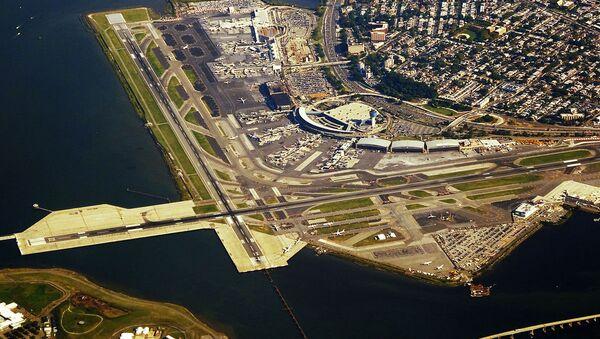El aeropuerto LaGuardia de Nueva York - Sputnik Mundo