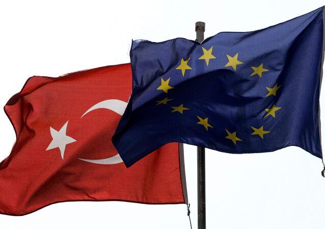 Banderas de Turquía y la Unión Europea