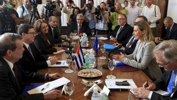 Canciller de Cuba, Bruno Rodríguez, y alta representante de la UE para Asuntos Exteriores y Política de Seguridad, Federica Mogherini - Sputnik Mundo