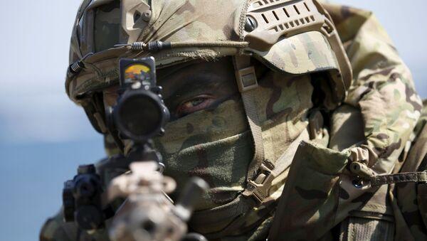 Efectivo del Cuerpo de Marines de EEUU participa en unos ejercicios  - Sputnik Mundo