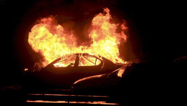 Explosión de un coche (imagen referencial) - Sputnik Mundo