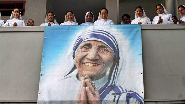 El retrato de la madre Teresa - Sputnik Mundo