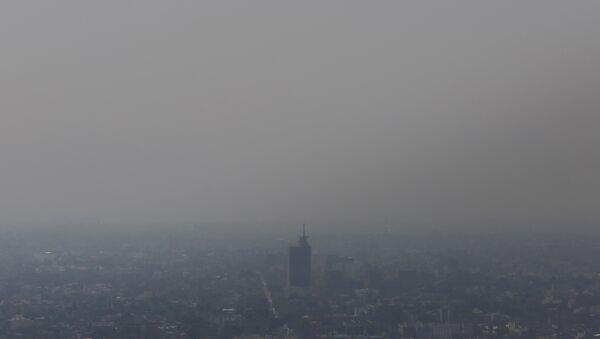 Decretan segundo día de emergencia ambiental en Ciudad de México - Sputnik Mundo