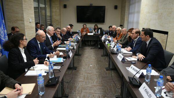 Ronda de las consultas intersirias en Ginebra - Sputnik Mundo