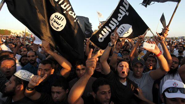 Las banderas de ISIS (archivo) - Sputnik Mundo