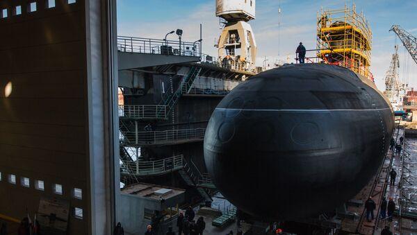 El lanzamiento del submarino Veliki Nóvgorod - Sputnik Mundo