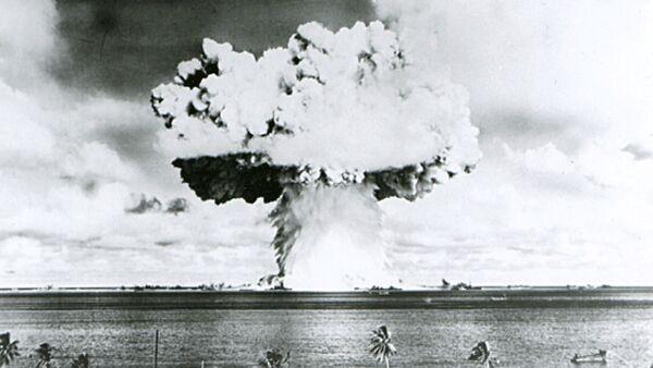 La prueba nuclear de EEUU en el atolón Bikini (archvio) - Sputnik Mundo