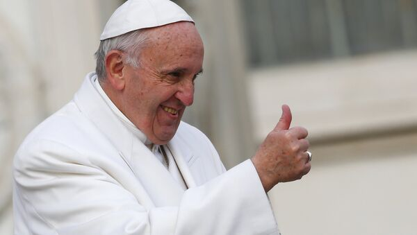 Pope Francis gestures during a special audience to celebrate a Jubilee day for the mystic saint Padre Pio in Saint Peter's Square at the Vatican February 6, 2016. - Sputnik Mundo
