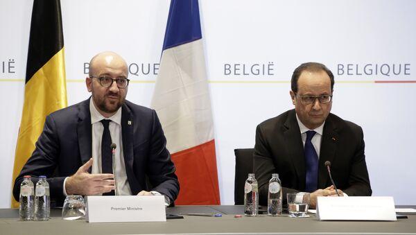 Charles Michel, primer ministro de Bélgica, y Francois Hollande, presidente de Francia - Sputnik Mundo