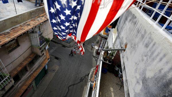 La bandera de EEUU en un balcón en La Habana, la capital de Cuba - Sputnik Mundo
