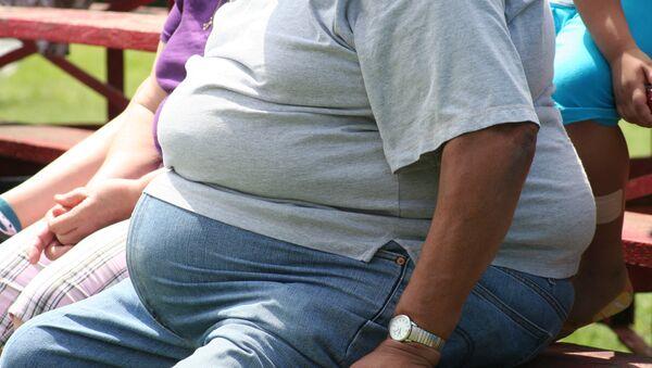 Hombre obeso - Sputnik Mundo