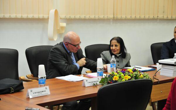 Alvaro Enrique Sánchez Cordero, ministro consejero de Venezuela en la exposición de Francisco de Miranda en la Universidad Estatal de Moscú - Sputnik Mundo