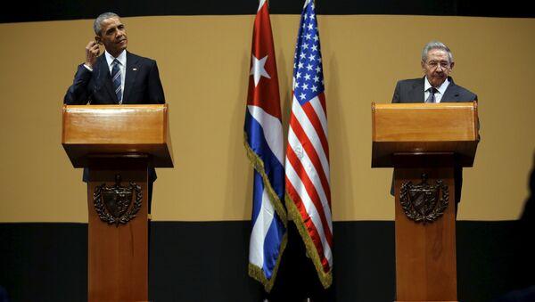 Presidente de EEUU Barack Obama y presidente de Cuba, Raúl Castro - Sputnik Mundo