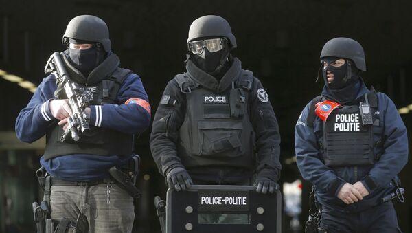 Policías belgas en Bruselas (archivo) - Sputnik Mundo