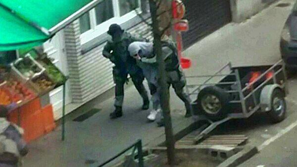 Arresto del principal sospechoso de los atentados de París, Salah Abdeslam - Sputnik Mundo