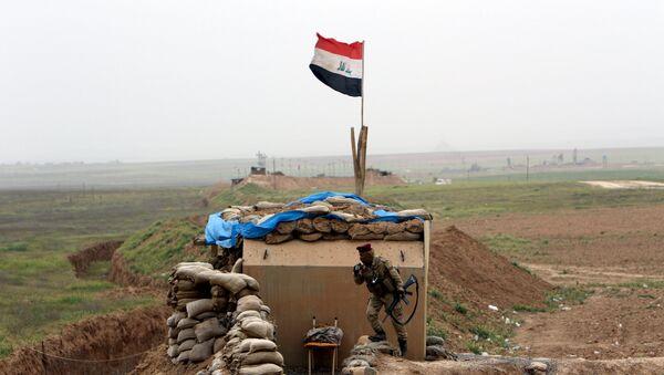La operación militar de las Fuerzas armadas iraquíes al sur de Mosul, Irak - Sputnik Mundo