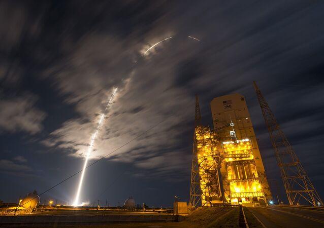 A United Launch Alliance Atlas V rocket carrying Orbital ATK's Cygnus spacecraft