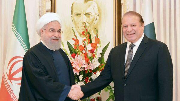 Presidente de Irán, Hasán Rohani, y primer ministro pakistaní, Nawaz Sharif - Sputnik Mundo