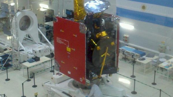 Fabricación del satélite Arsat 2 (archivo) - Sputnik Mundo