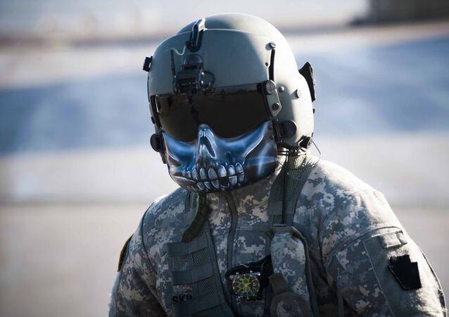Piloto estadounidense en la base Bondsteel en Kosovo