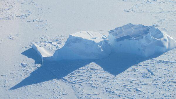 Mar de Bellingshausen, Antártida - Sputnik Mundo