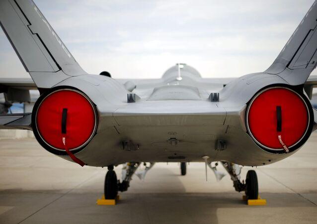 Un avión de caza en FIDAE
