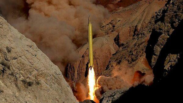 Lanzamiento de misil en Irán - Sputnik Mundo