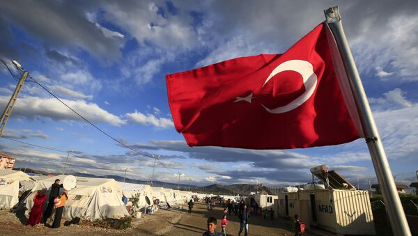 Bandera de Turquía en un campo de refugiados sirios (archivo) - Sputnik Mundo