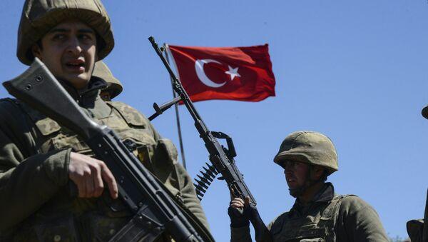 Turkish army soldiers - Sputnik Mundo