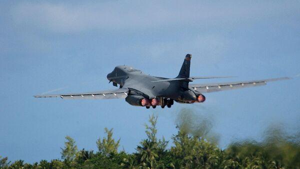 El bombardero B-1B de las Fuerzas Aéreas de EEUU (archivo) - Sputnik Mundo