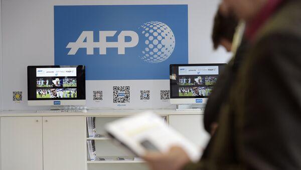 AFP denuncia que Rusia negó la entrada a un periodista ucraniano de la agencia - Sputnik Mundo