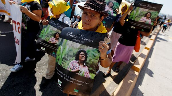 Manifestantes exigen justicia para Berta Cáceres en Tegucigalpa, Honduras - Sputnik Mundo