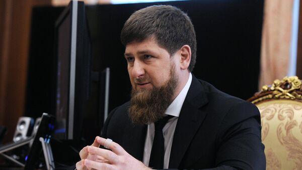 Президент РФ В. Путин встретился с главой Чечни Р. Кадыровым - Sputnik Mundo