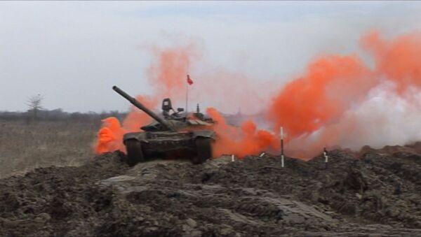 Biatlón de tanques 2016: Los furiosos T-72 y T-90 - Sputnik Mundo