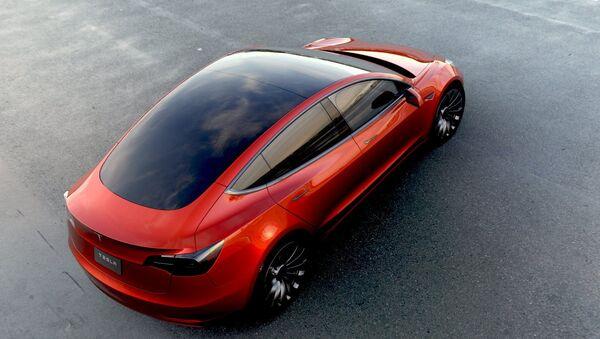 Un Tesla Model 3 - Sputnik Mundo