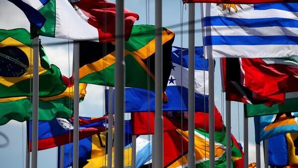 Banderas de países miembros de Celac - Sputnik Mundo