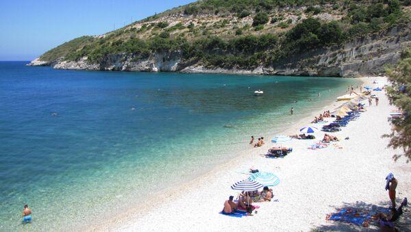 Una playa en Grecia - Sputnik Mundo