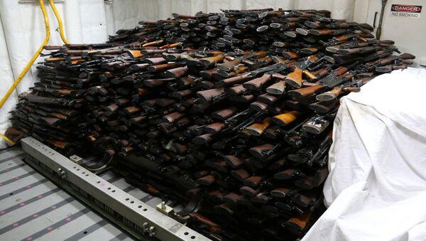 Armas confiscadas (imagen referencial) - Sputnik Mundo
