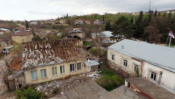 Edificios destruidos en Nagorno Karabaj - Sputnik Mundo
