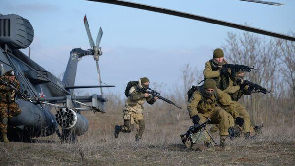 Militares rusos duarante los ejercicios en la región de Stávropol - Sputnik Mundo