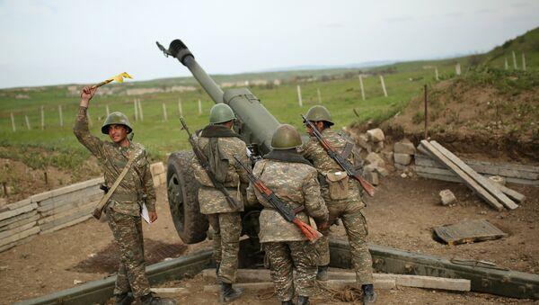 Combate en Nagorno Karabaj - Sputnik Mundo