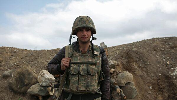 Soldado armenio en Nagorno Karabaj - Sputnik Mundo