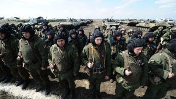 Soldados de las tropas internas de Rusia (archivo) - Sputnik Mundo